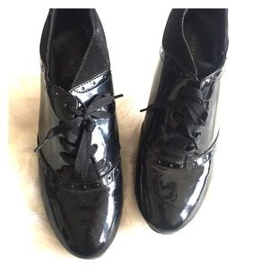 Size 8.5 Black Patent Ribbon Tie Heeled Oxfords